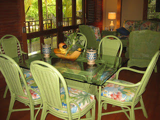 Roatan vacation rental dining room