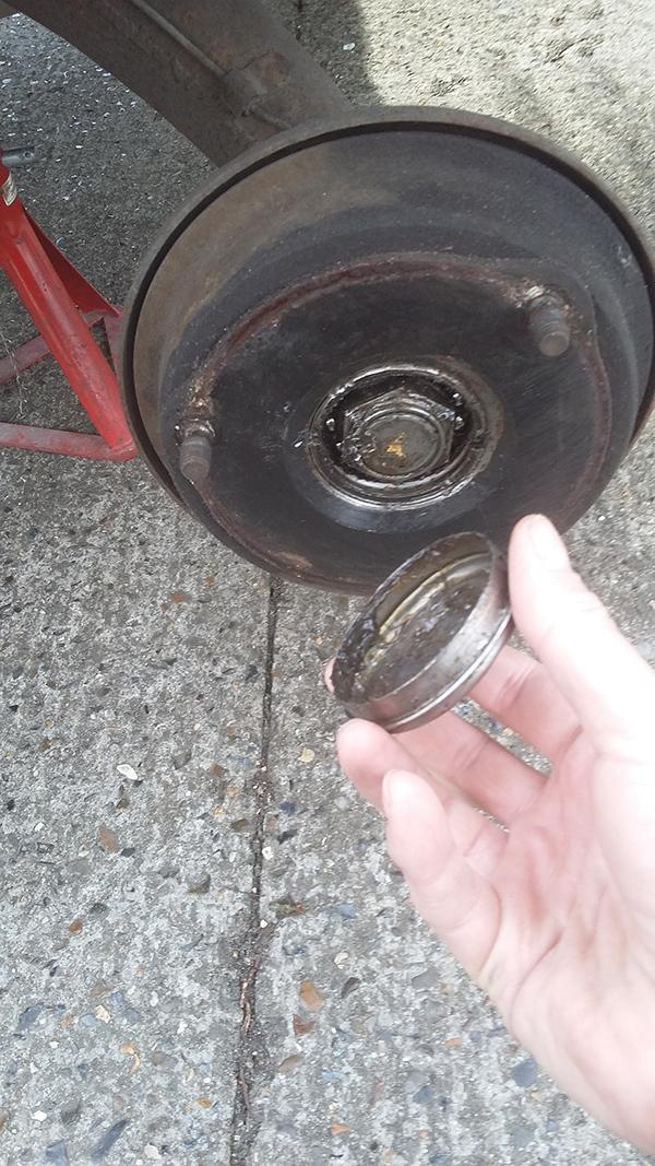 fans de 2cv  changer les freins  u00e0 tambour sur une 2cv