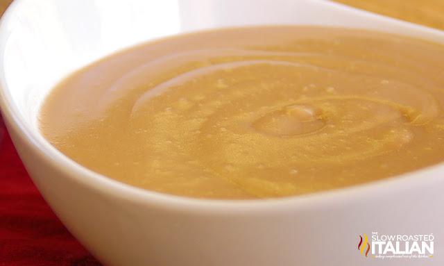5 Minute Homemade Brown Gravy