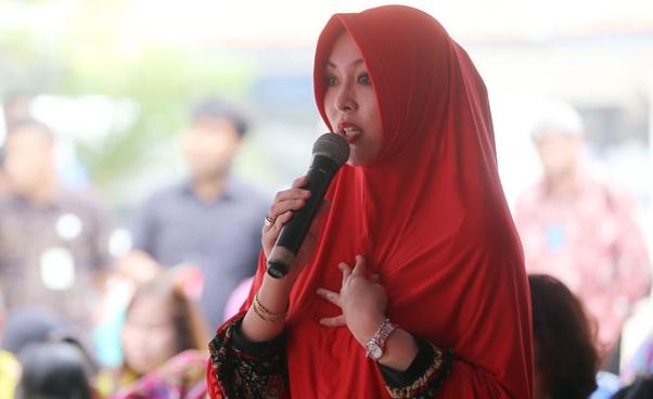Angelina Sondakh, Dari Penganut Kristen Taat, Menghadapi Ujian Berat, Kini Menjadi Muslimah Yang Menutup Aurat