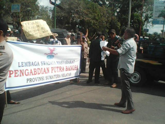 Ratusan Masa Demo Minta Bupati Muba Laksanakan Rekomendasi KASN