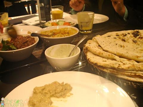 Eating Halal At Mumtaz Restaurant Bradford Theecomuslim