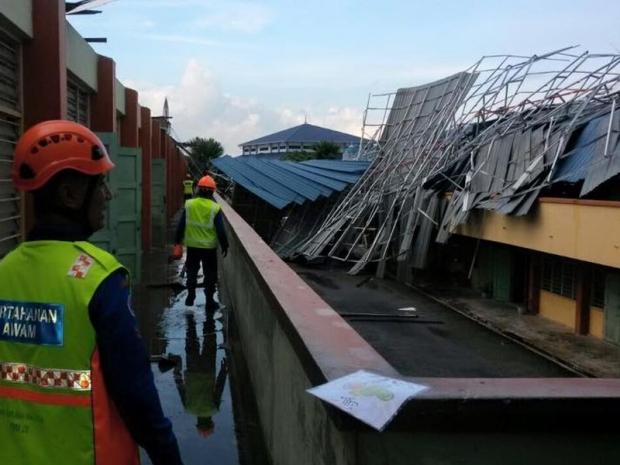 Bumbung sekolah runtuh, murid bakal dipindah ke sekolah lain