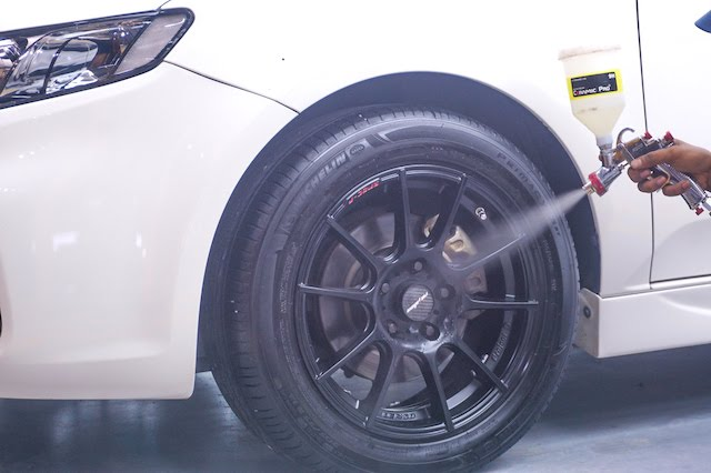 The rims get the full treatment as well
