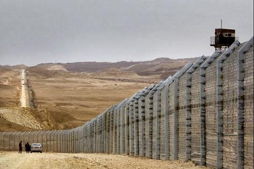 tembok+raksasa+israel.jpg (520×347)