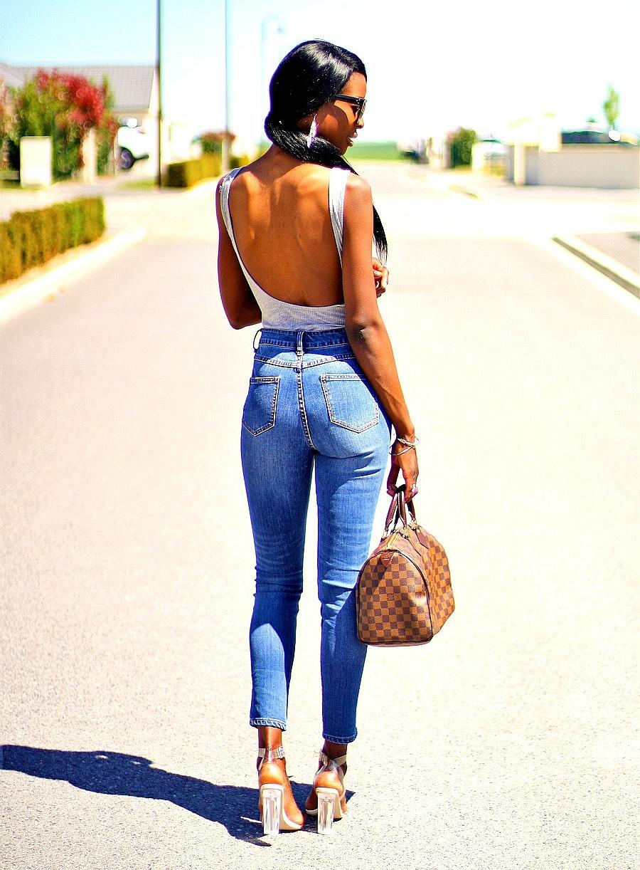 body-dos-echancre-jeans-taille-haute-talons-perpex-sac-speedy-louis-vuitton