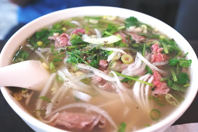 寧夏夜市必吃》阿忠越式傳統牛肉河粉