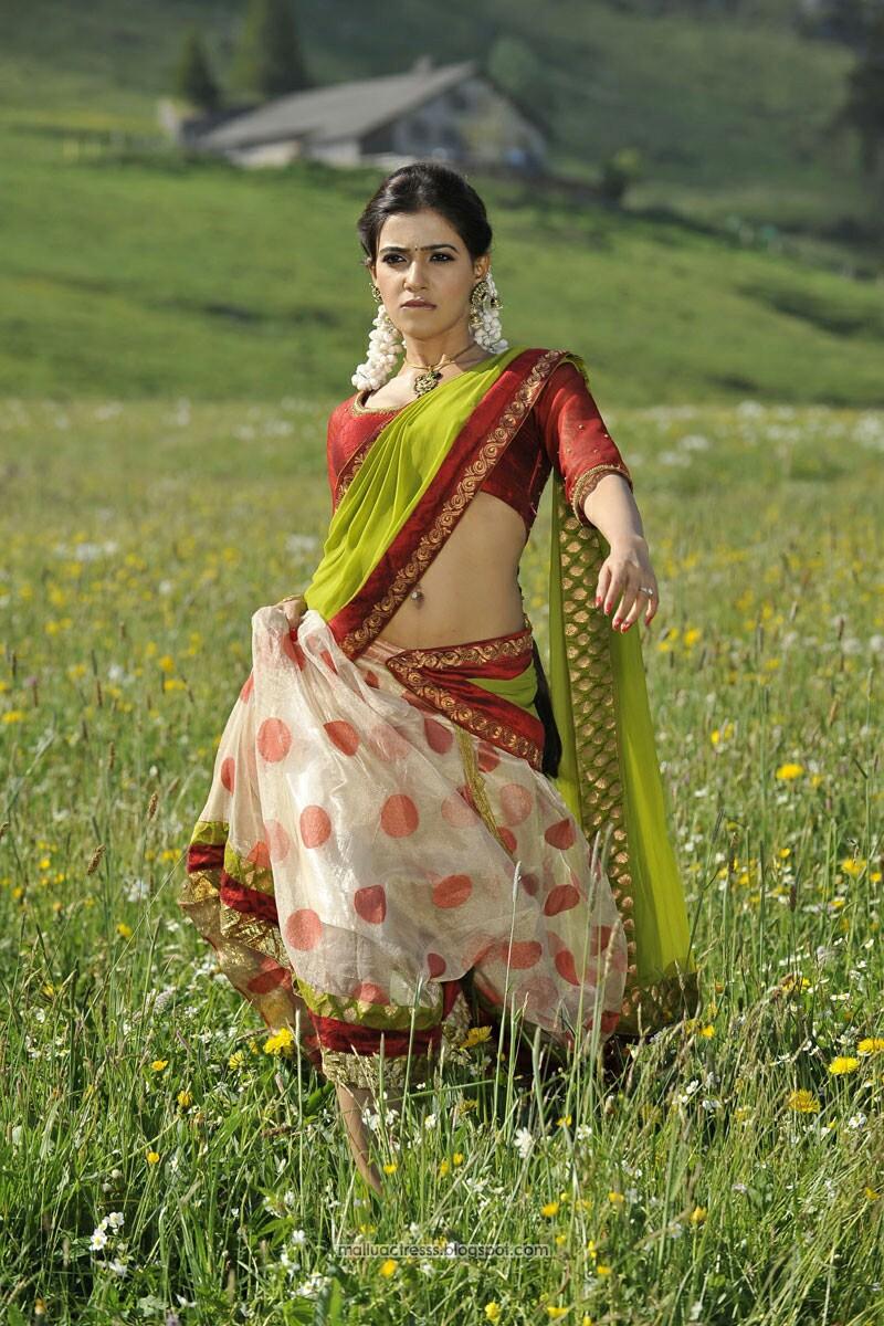 Malayalam actress: Samantha hot navel show stills