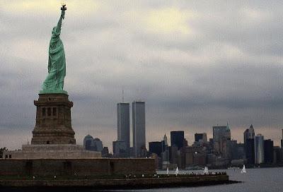 Risultati immagini per New York, 11 settembre 2001