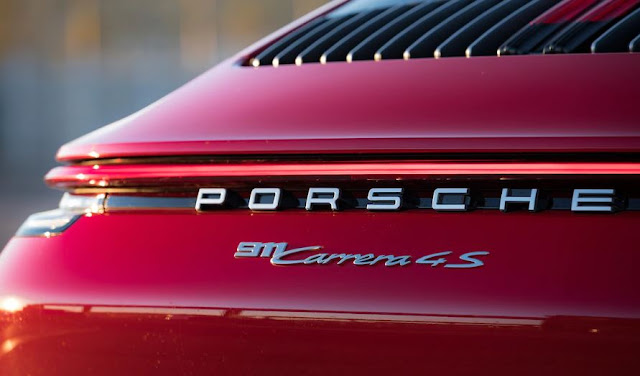 2020 PORSCHE 911 CARRERA REVIEW