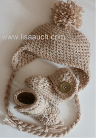 free crochet baby hat pattern with earflaps and ears- crochet hat and booties set