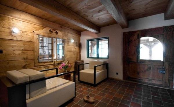 decora y disena Interior Casa Antigua de Madera en Polonia