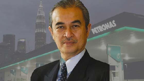 Pak Lah Ambil Alih Jawatan Mahathir di Petronas