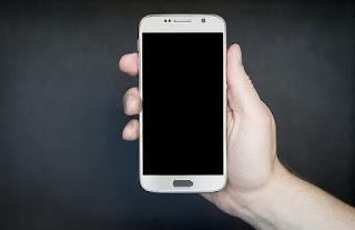 ilustrasi hp android kehabisan kuota