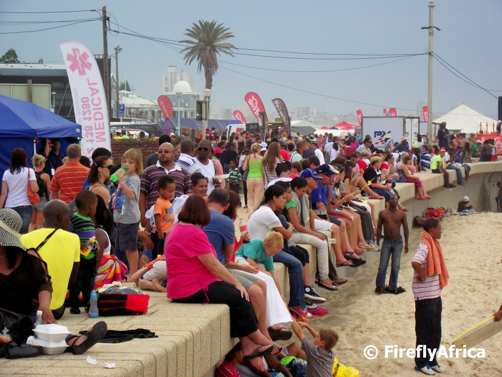 Port elizabeth daily photo splash fest crowds - Population of port elizabeth south africa ...