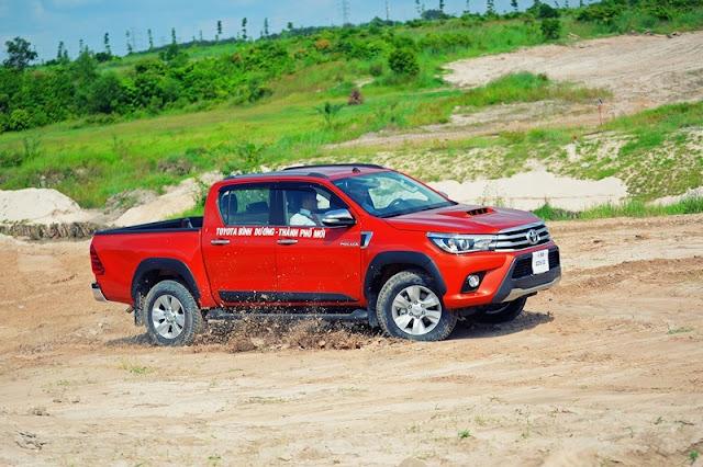 Toyota Hilux 2017 an toàn hơn khi được trang bị tới 7 túi khi cho phiên bản 3.0G AT cao cấp nhất
