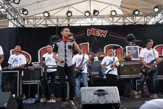 Download Lagu - Debu Debu Jalanan mp3 - Gerry feat Dangdut New Pallapa