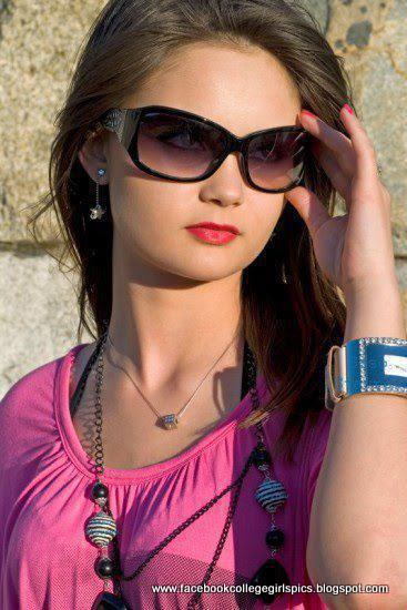 American-Pakistani Facebook Beautiful College Girls Photos -4320