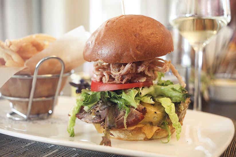 Coast's Bistro Burger
