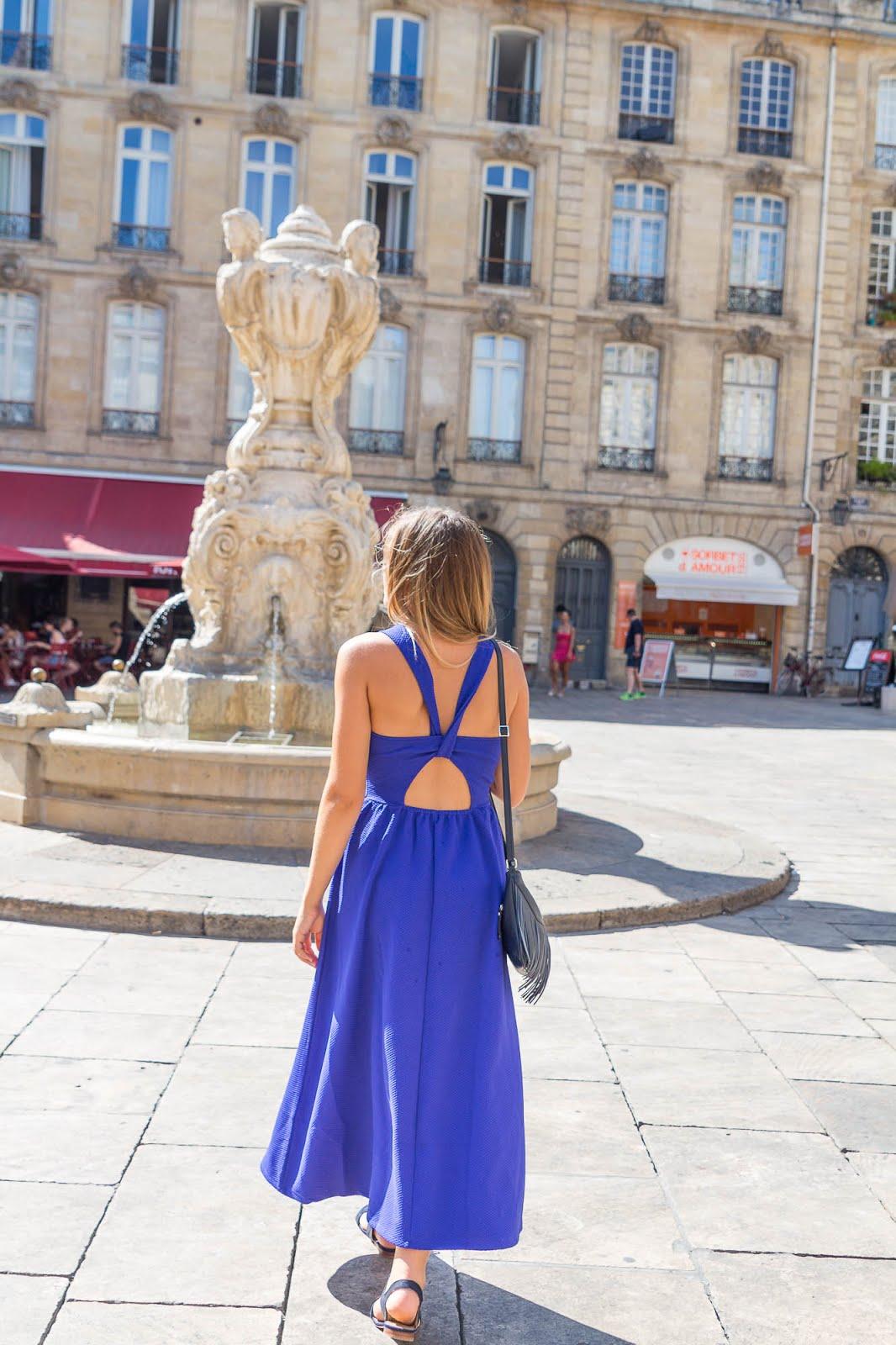 Robe longue bleue dos nu
