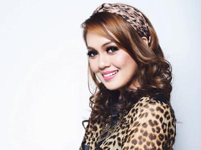 Biodata Penuh Nelydia Senrose Pelakon Drama Encik Suami Mat Salih Celup