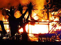 Musim Hujan, Dua Rumah Ludes Dilalap Si Jago Merah Di Desa Manngilu Pangkep