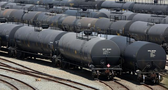 dự báo dư cung là nguyên nhân chính của việc điều chỉnh giá dầu trog quý 2/2016?