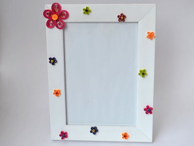 Simple and cute quilling photo frames designs - quillingpaperdesings