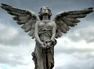 Resultado de imagen de escultura angel