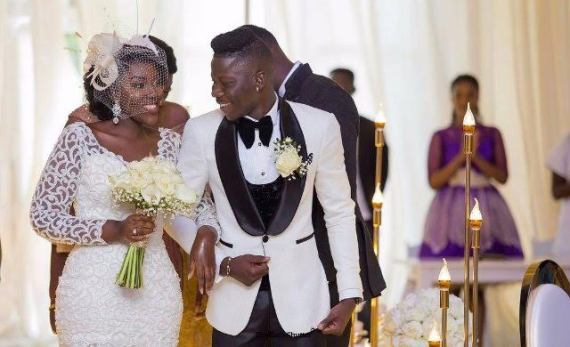Stonebwoy's heartbroken girlfriend emerges 2days after his wedding, accuses the singer of playing and dumping her after proposing.