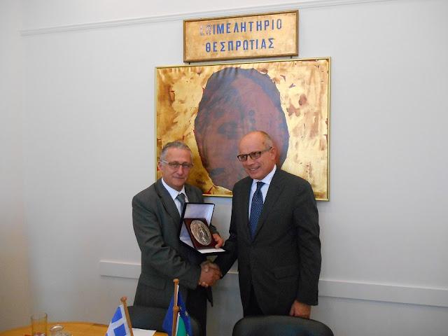 Συνάντηση Προέδρου Επιμελητηρίου κου Αλ. Πάσχου με τον Ιταλό Πρέσβη στην Ελλάδα κο Efisio Luigi Marras