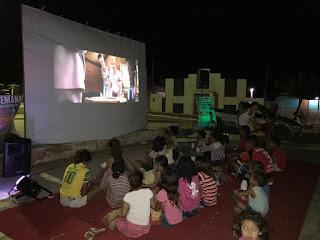 Departamento de cultura em Picuí está realizando 'Cinema na praça'