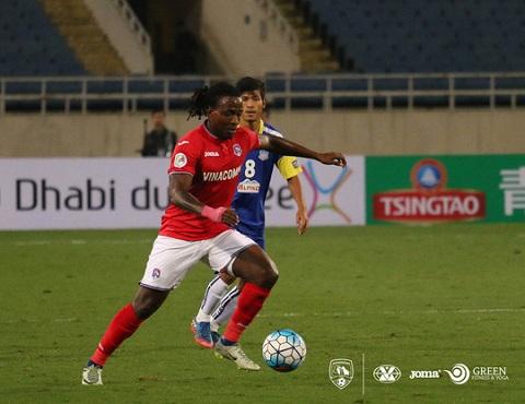 Kizito trong màu áo Than Quảng Ninh ở AFC Cup 2017