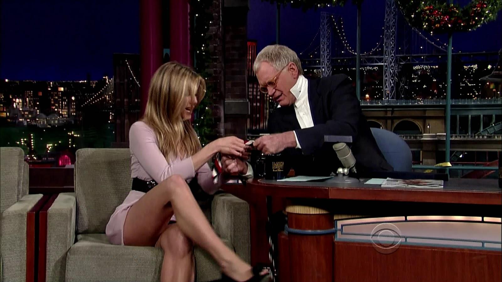 Jen Aniston Nude Upskirt