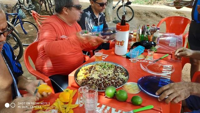 Membros do LBC se confraternizam com pedal leve e divertido