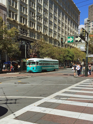 A picture of a tram near Union Square in San Francsico