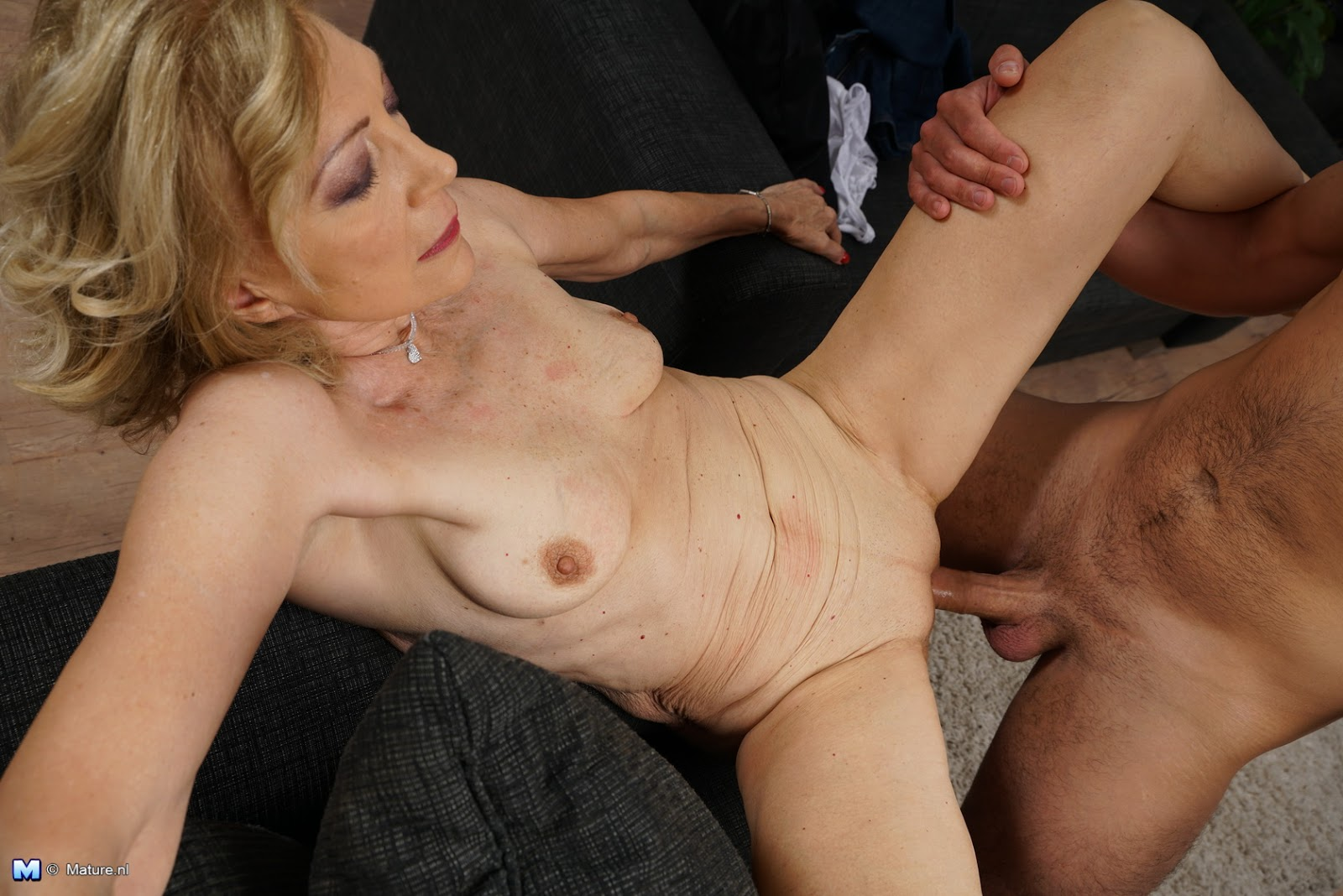 Watch Mature Archive 19 In Hd Imgs Daily Updates - Www -9819