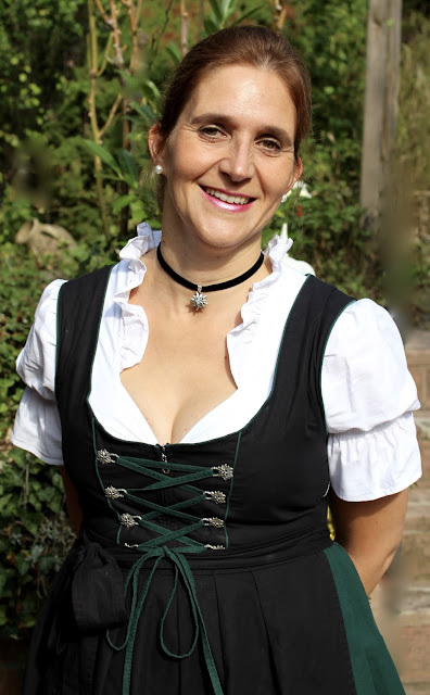 Yushka im Dirndl September 2016