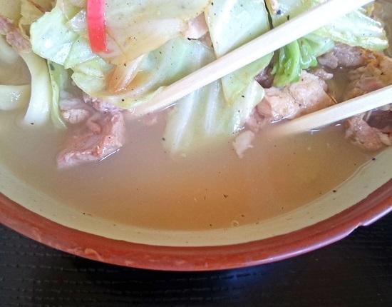 ちゃんぷるそばのスープの写真