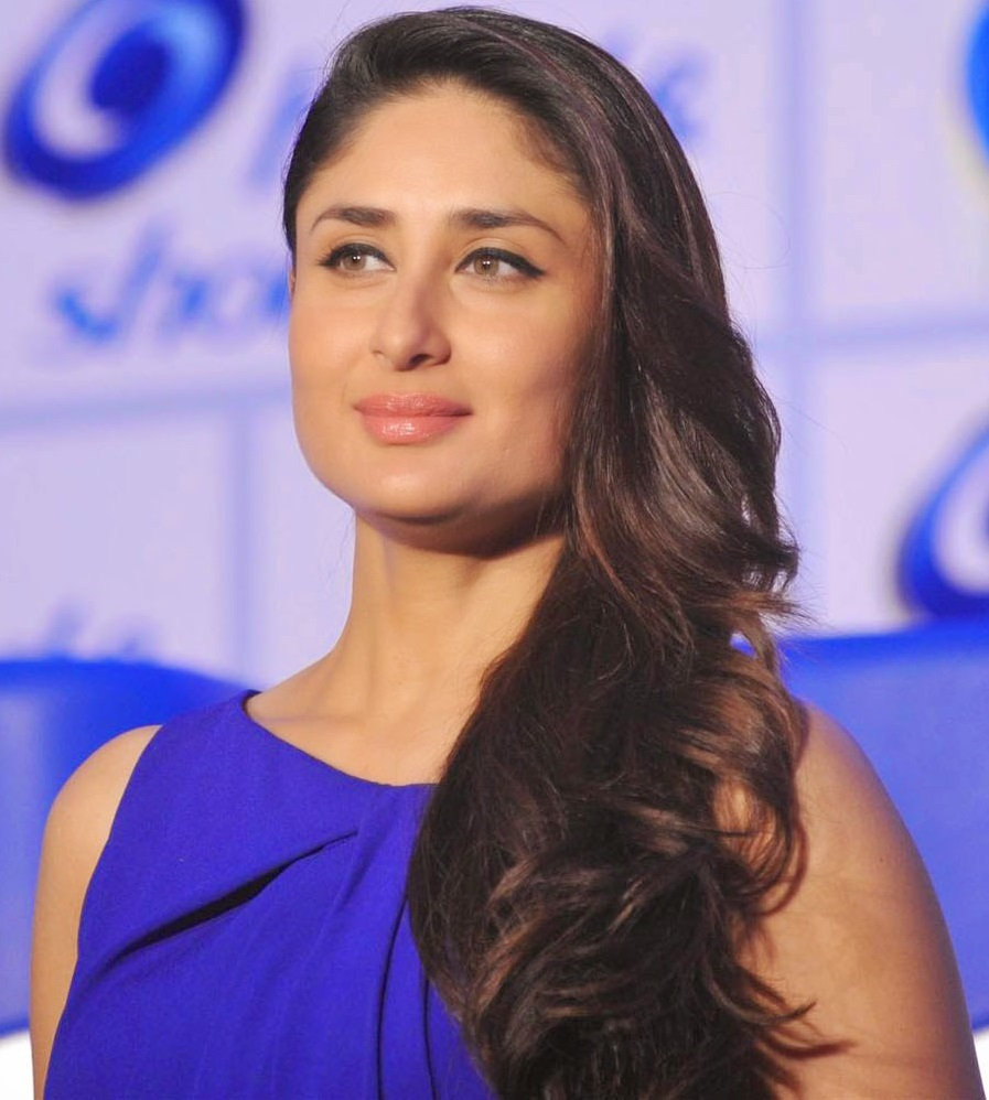 Kareena Kapoor 2016 Beautiful Photos In Blue Dress