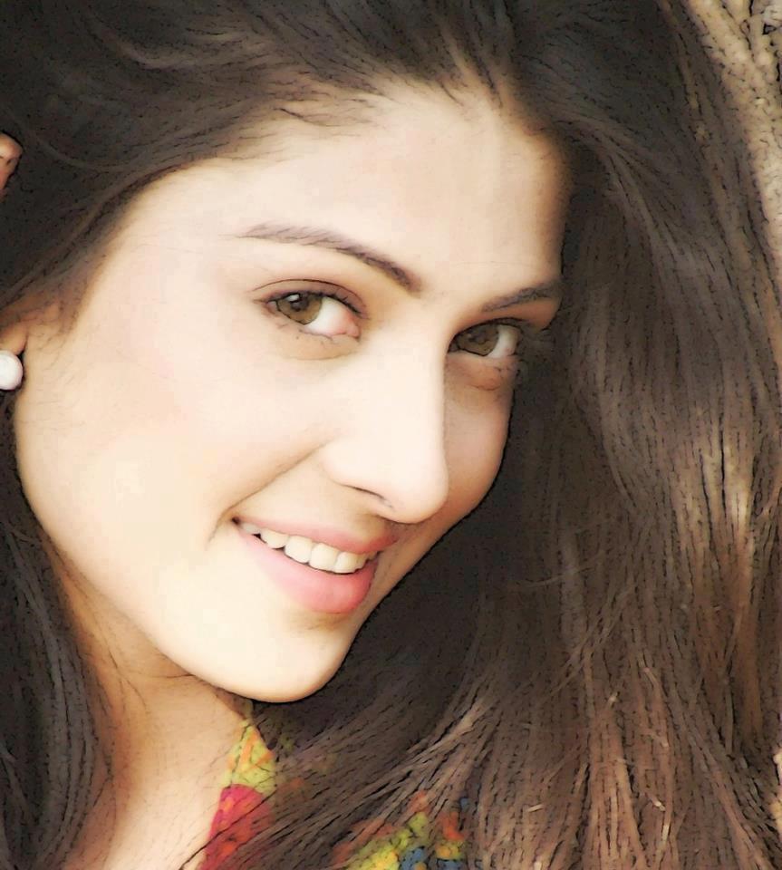 Why Are Pakistani Women So Beautiful