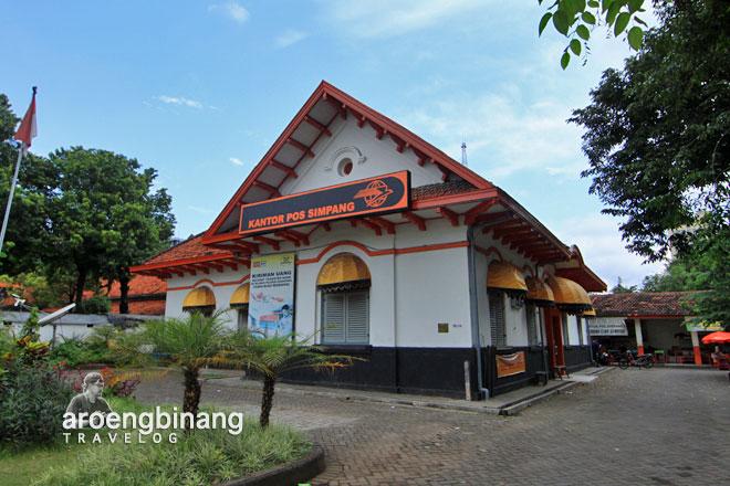 kantor pos simpang surabaya