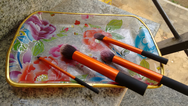cleaning-Makeup-Brushes