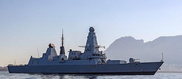 17 ρωσικά μαχητικά και βομβαρδιστικά «περικυκλώνουν» βρετανική φρεγάτα στη Μαύρη Θάλασσα!