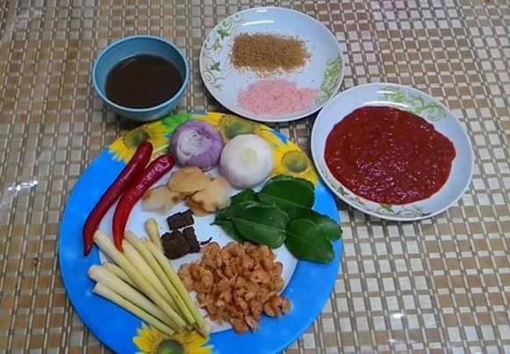 Bahan-Bahan Untuk Hasilkan Pes Tom Yam Kaw