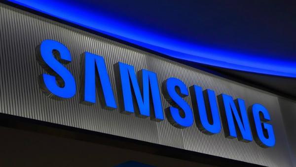 سامسونغ تنشر عن طريق الخطأ صورة هاتفها Galaxy S10