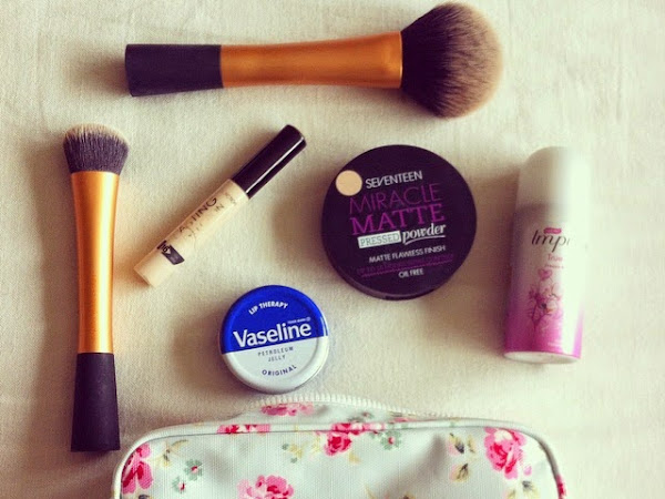 Basic Make-up Bag Essentials