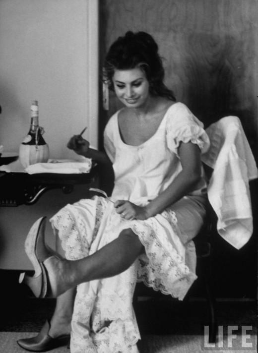 Sophia Loren by Alfred Eisenstaedt Italy 1961  vintage
