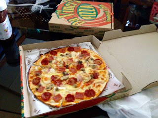 Da Vinci's Famous White Sauce Pizzas, Happy Hour, Buy One Take One Pizza, Da Vinci's Masterpiece