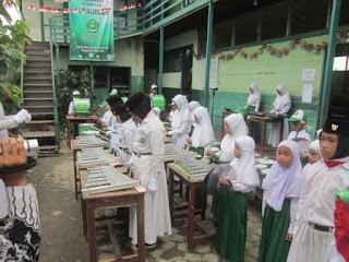 Upacara Peringatan Hari Kemerdekaan Indonesia ke 72 MI Al Raudlah
